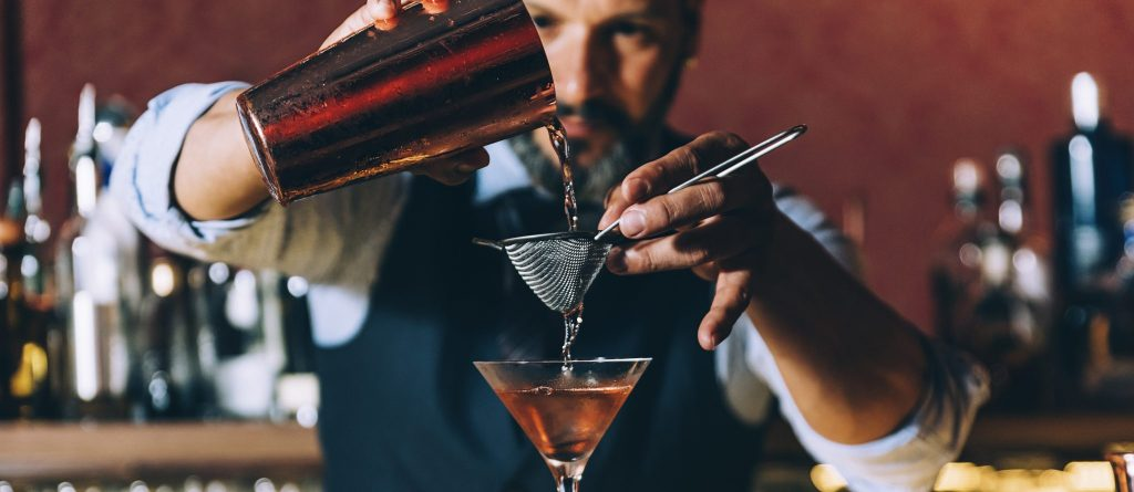 Bartender vs. Mixologist: What's the Difference?