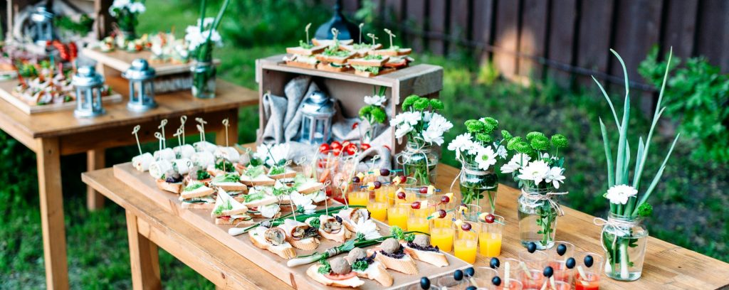 How to Help Your Customers Plan An Excellent Wedding Menu