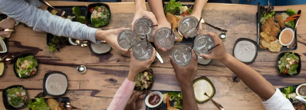 Should Your Automatically Serve Water At Your Restaurant?